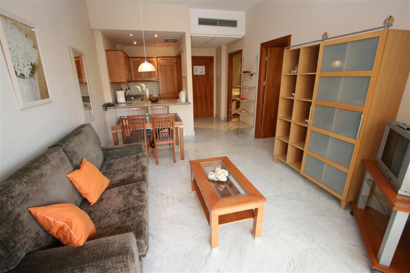 Apartment Middle Floor in Alhaurín de la Torre, Costa del Sol
