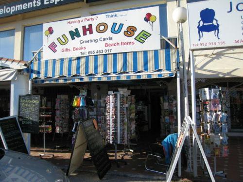 Commercial  Shop  in Calypso