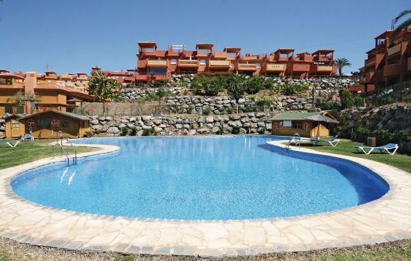 Apartment Middle Floor in Reserva de Marbella, Costa del Sol