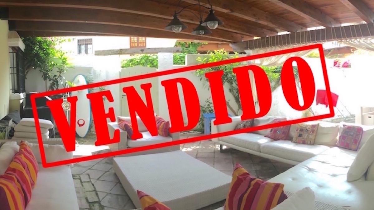 Unifamiliar, Adosada  en venta    en Guadalmina Baja