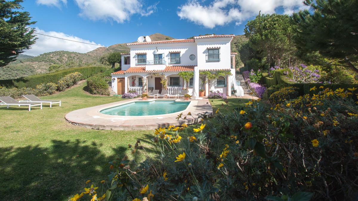 Villa  Finca for sale   in Casares