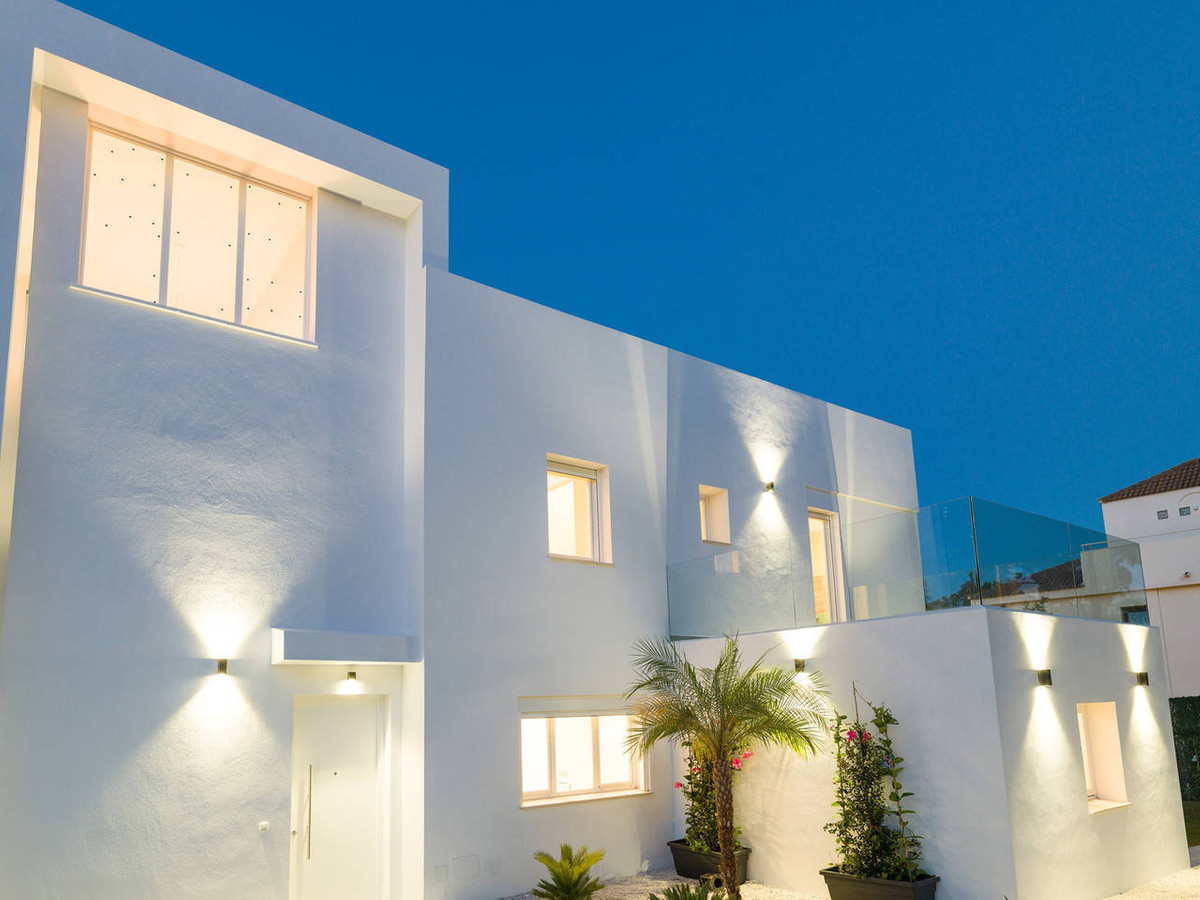 Villa  Individuelle en vente  et en location  à Marbella