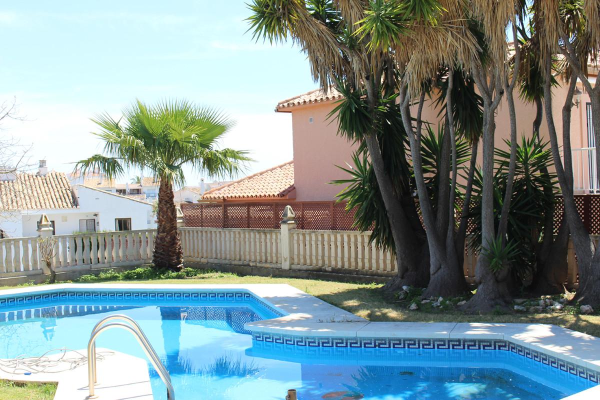 Villa  Detached for sale   in Riviera del Sol