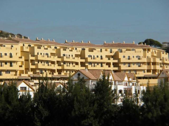 Apartment Middle Floor in Torrequebrada, Costa del Sol