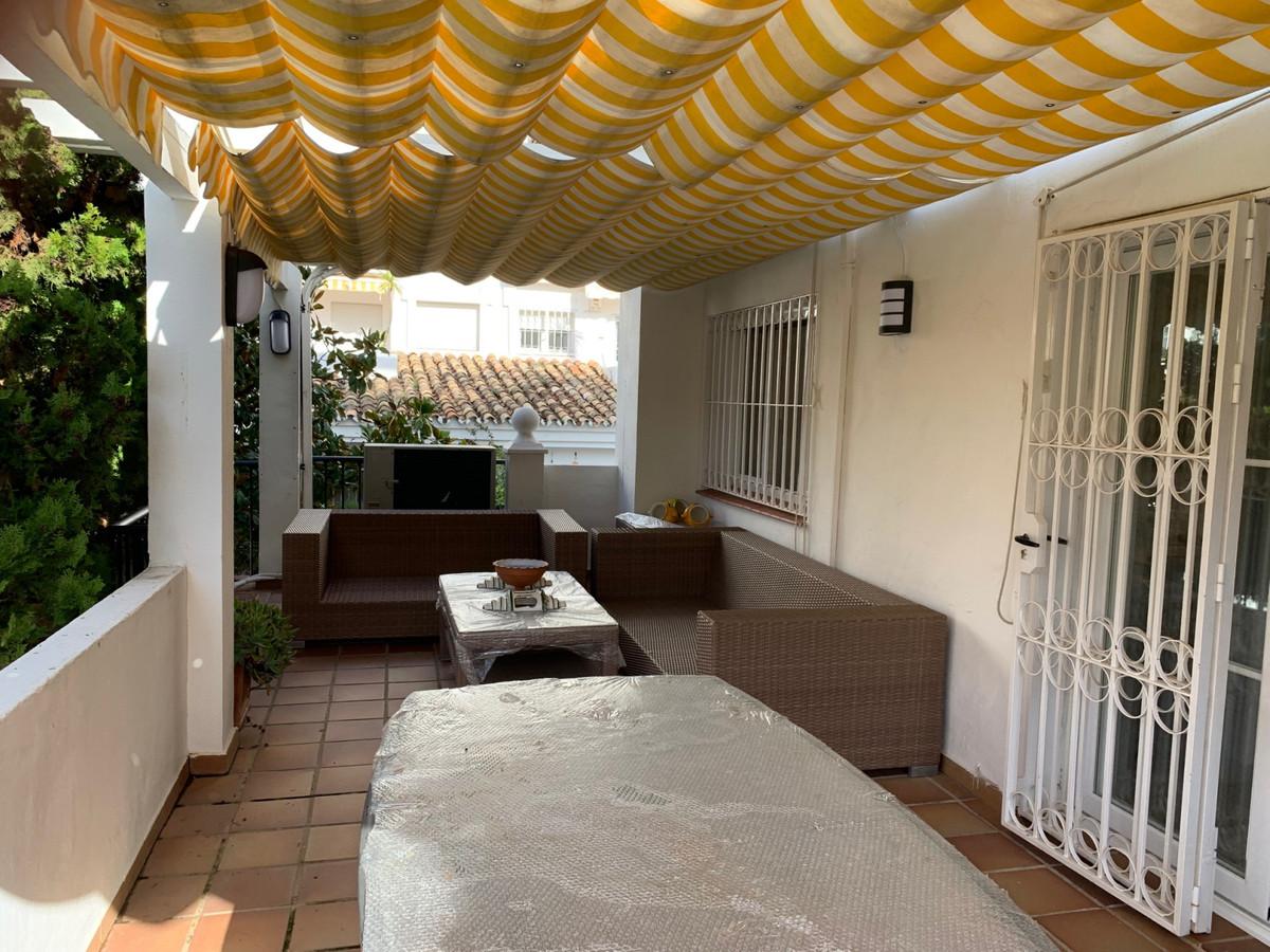 Maison Jumelée  Mitoyenne en vente   à Nagüeles