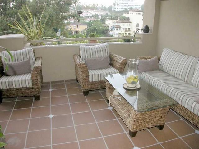 Apartment Middle Floor in Guadalmina Alta, Costa del Sol