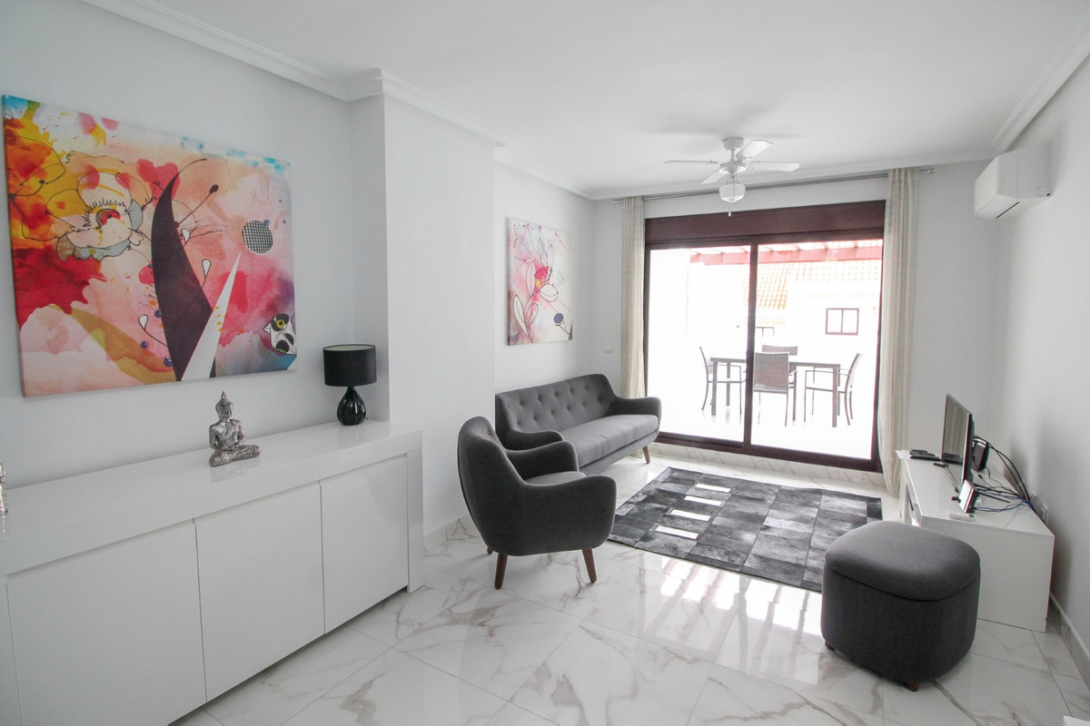 Appartement  Mi-étage en location  à Nueva Andalucía