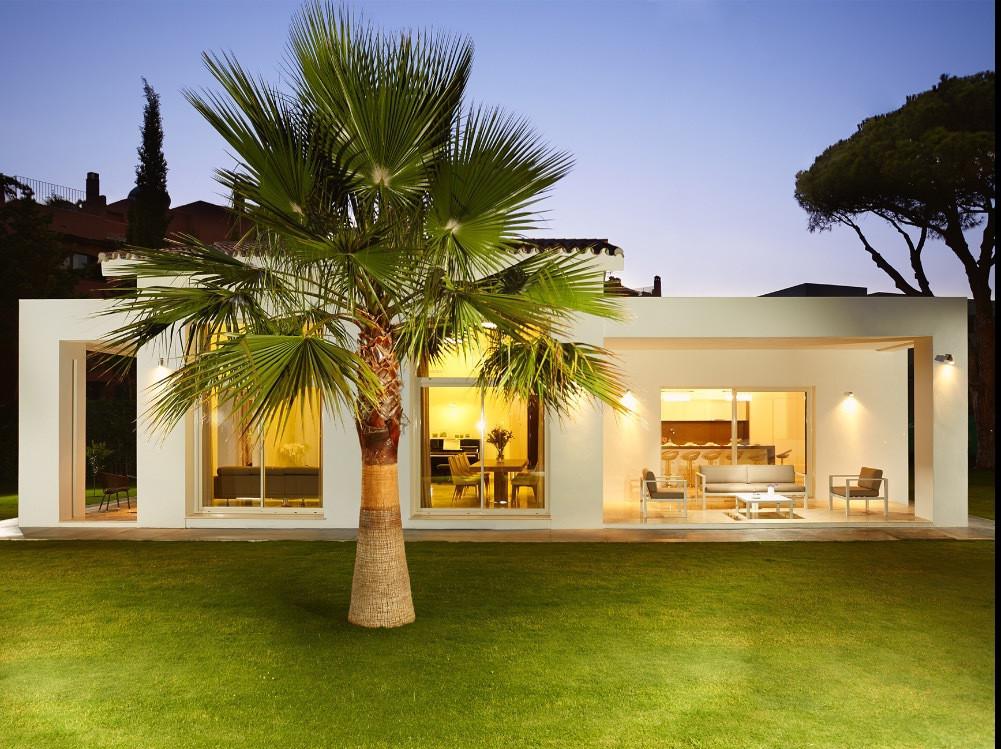 Villa  Independiente en alquiler  en Guadalmina Baja