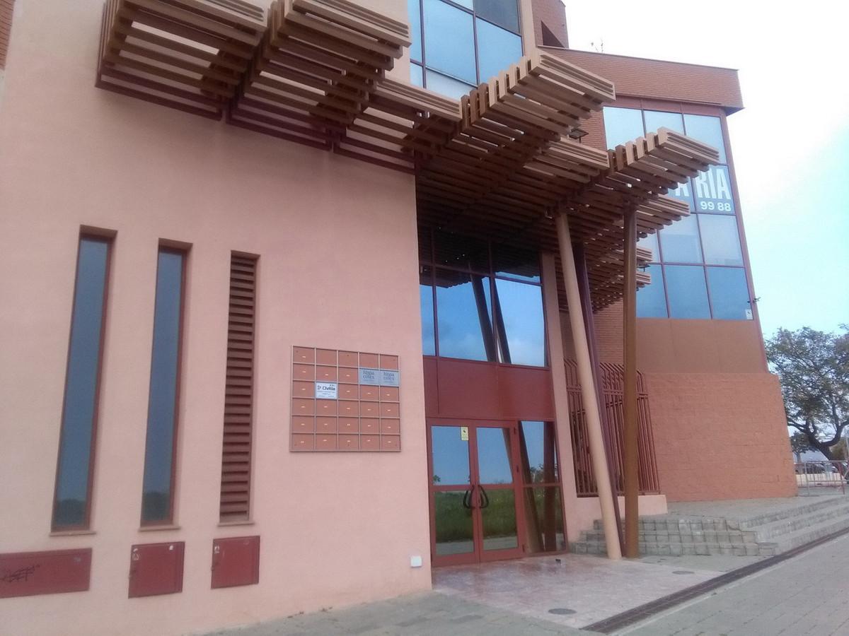 Commercial, Office  for sale    en Teatinos-Universidad