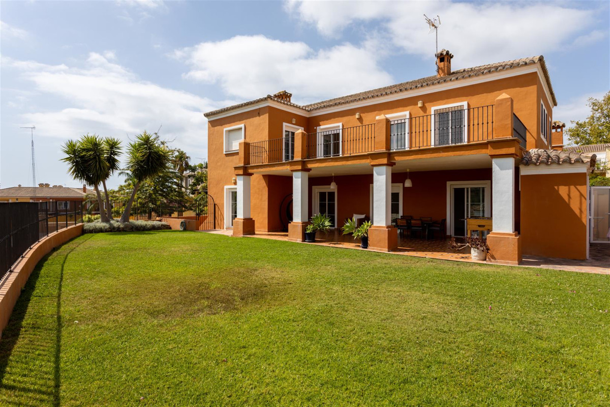 Villa Independiente en Guadalmina Alta, Costa del Sol