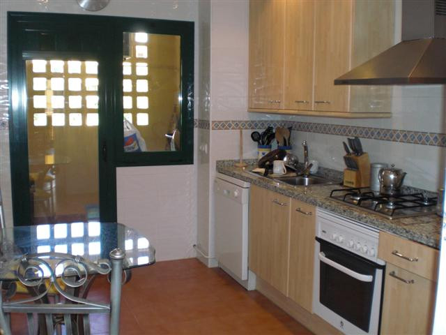 Appartement  Mi-étage en location  à San Pedro de Alcántara