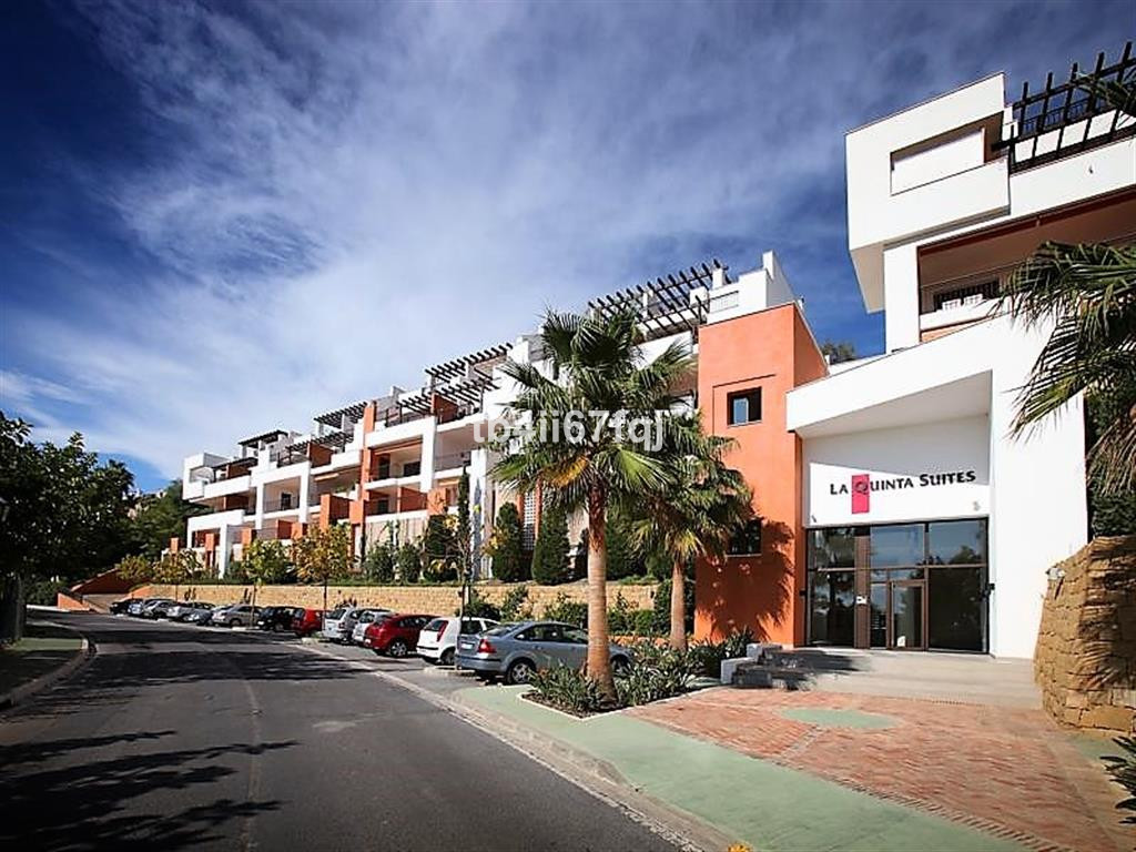 Apartment  Middle Floor for sale   in La Quinta