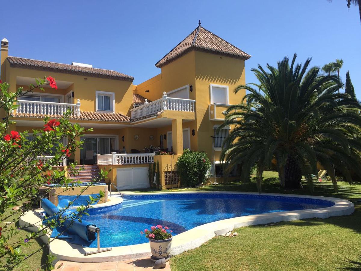 Villa  Detached for sale   in Benahavís