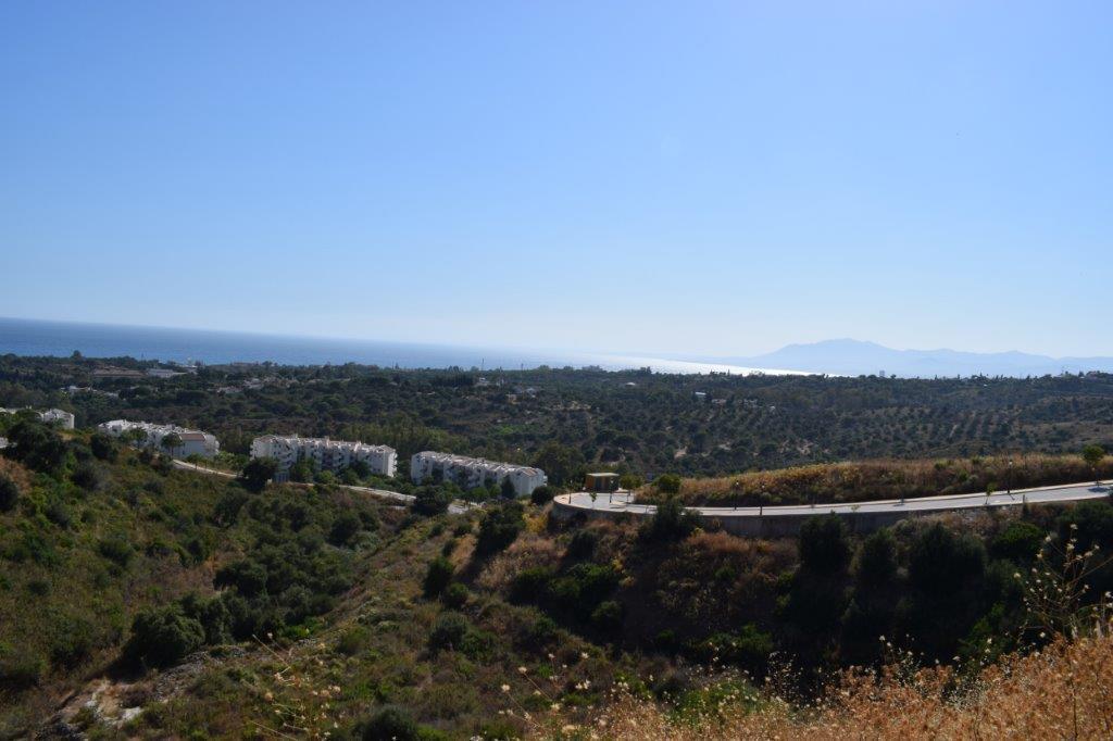 Terrain  Résidentiel en vente   à Elviria
