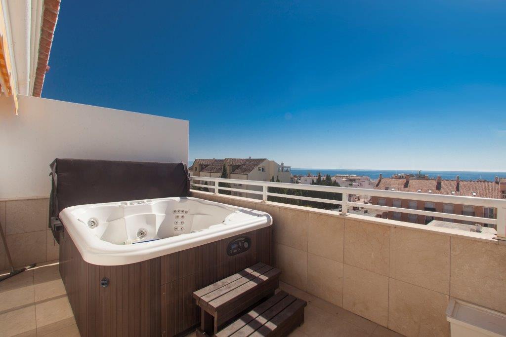 Apartment  Penthouse for sale   in La Carihuela