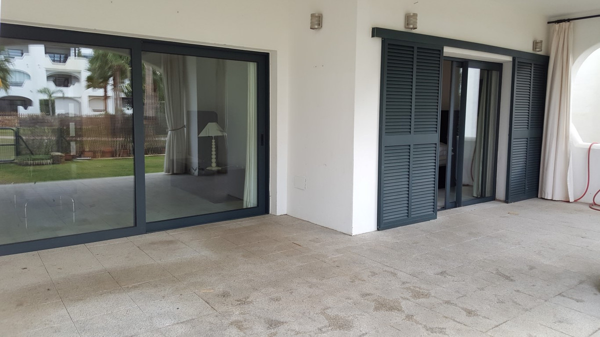 Appartement  Rez-de-chaussée en vente   à Sotogrande