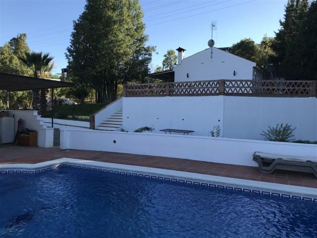 Villa  Finca for sale   in Alhaurín de la Torre