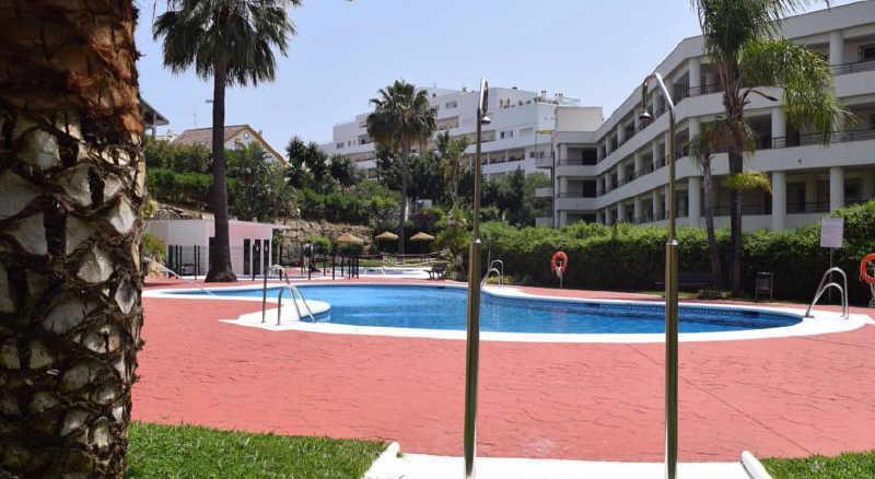 Apartment  Middle Floor  in Guadalmina Alta