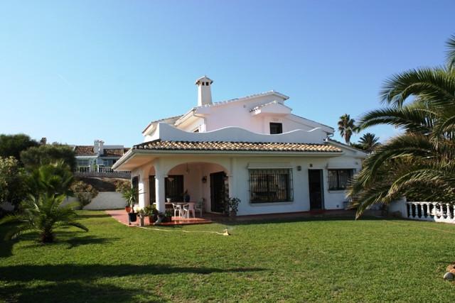 Villa  Detached for sale   in El Faro