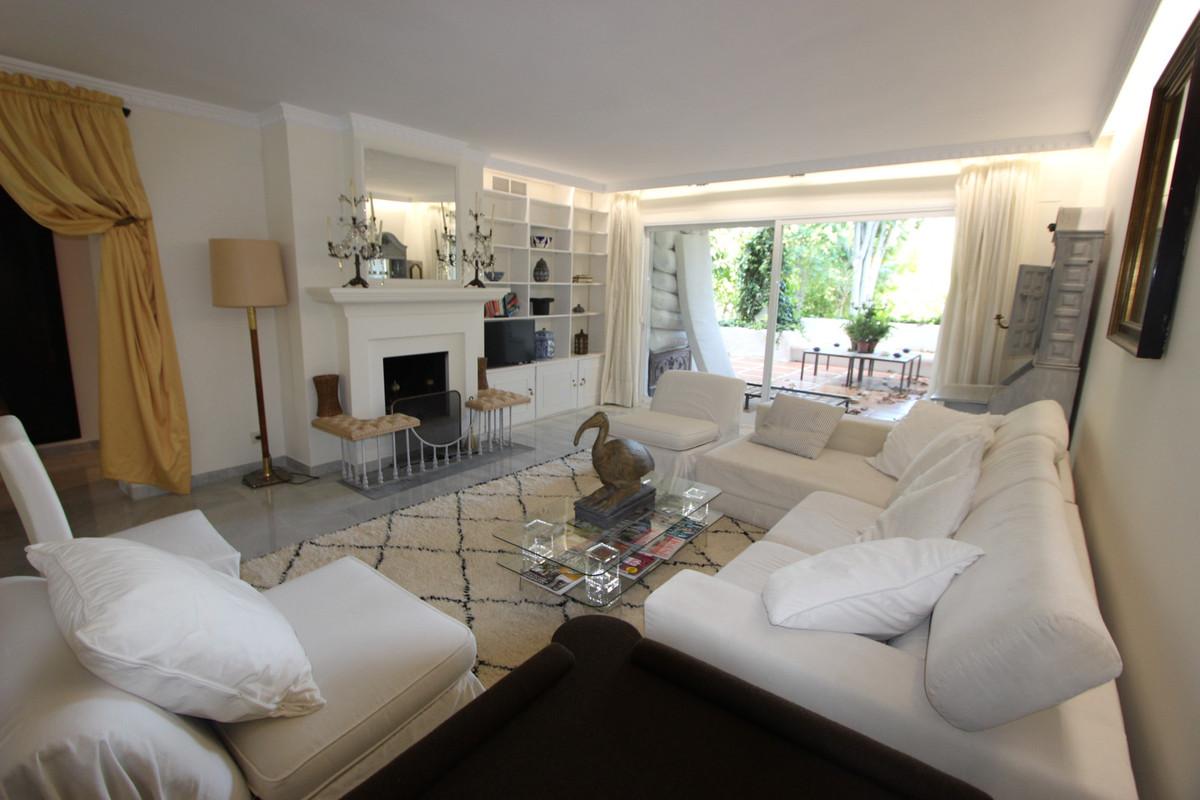 Appartement  Rez-de-chaussée en vente   à Guadalmina Baja