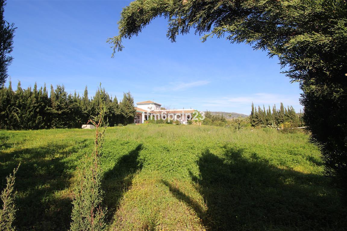 Villa  Finca en venta   en Manilva