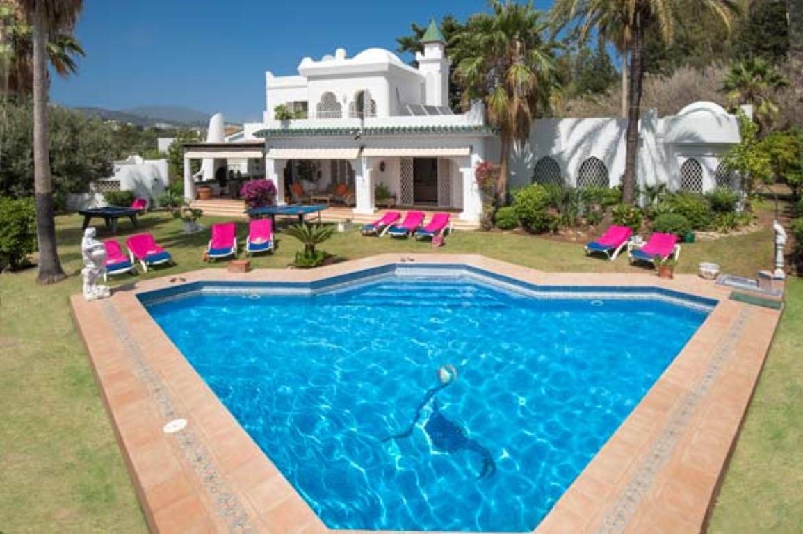 Villa  Detached for sale   in El Paraiso