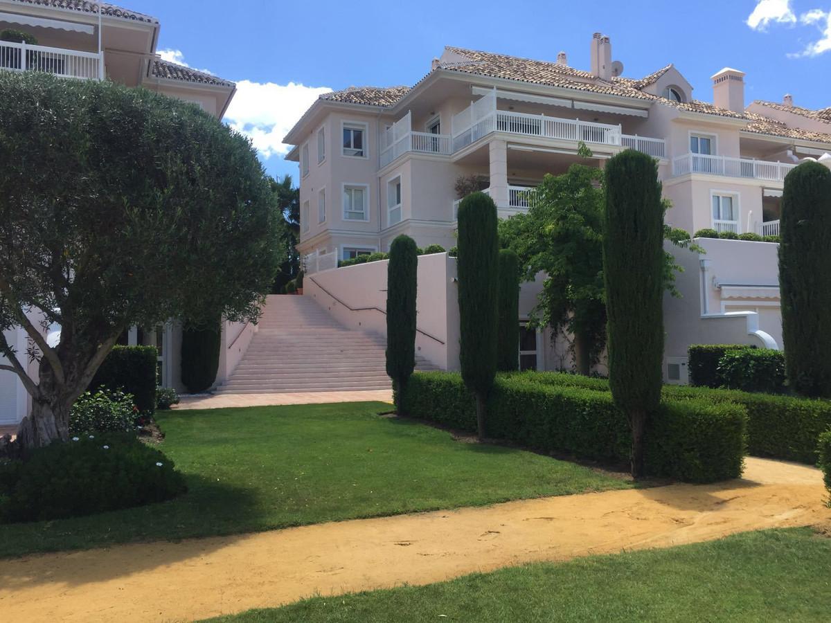 Apartment, Middle Floor for sale en Benahavís