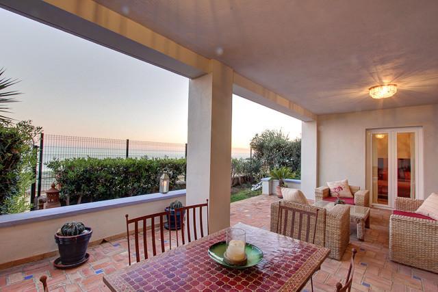 Apartment  Ground Floor for rent  in Casares Playa