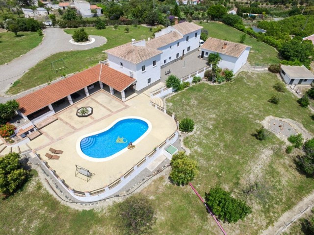 Villa  Finca for sale   in Casarabonela