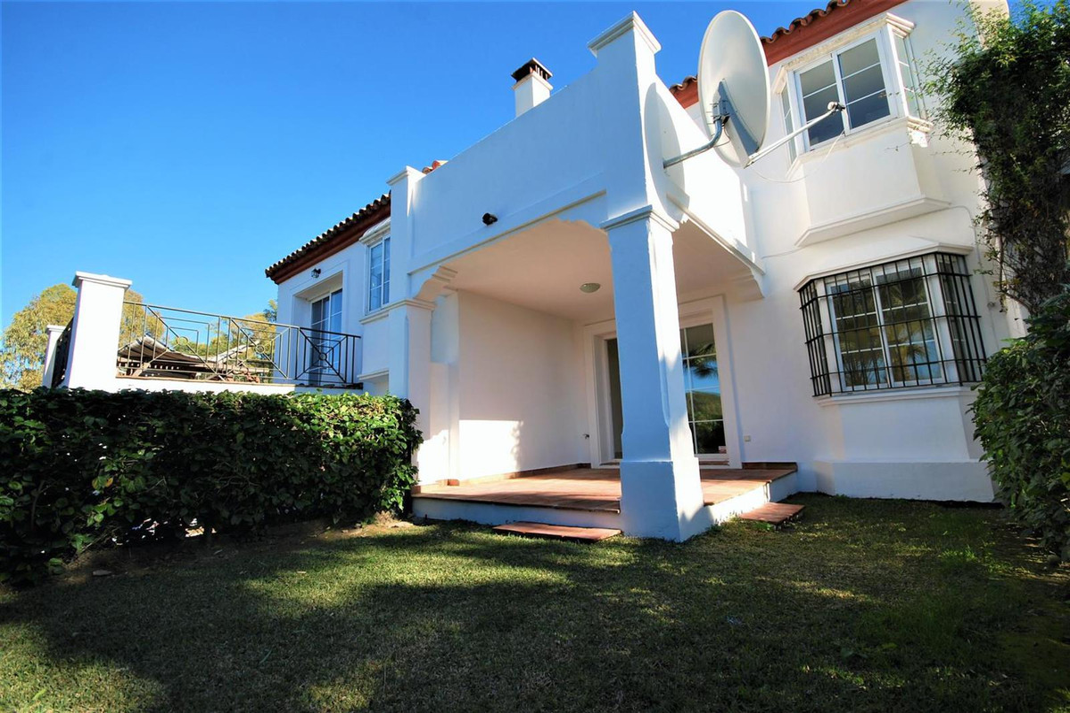 Townhouse, Terraced for sale en Guadalmina Alta