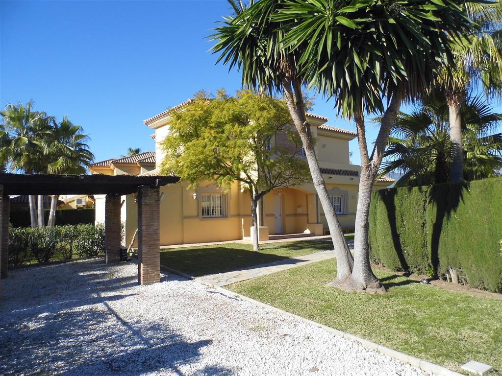 Villa  Detached for sale   in New Golden Mile