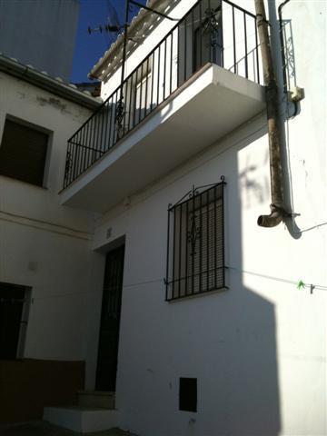 Villa, Semi Detached  for sale    en Jubrique