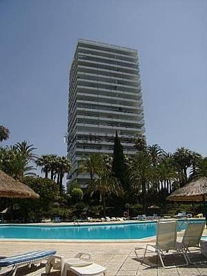 Appartement  Mi-étage en vente   à Marbella