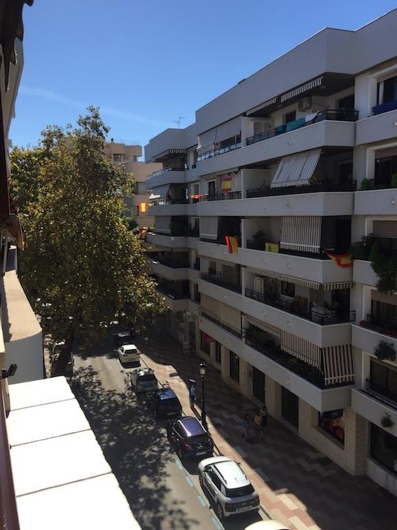 Apartment  Middle Floor  in Marbella
