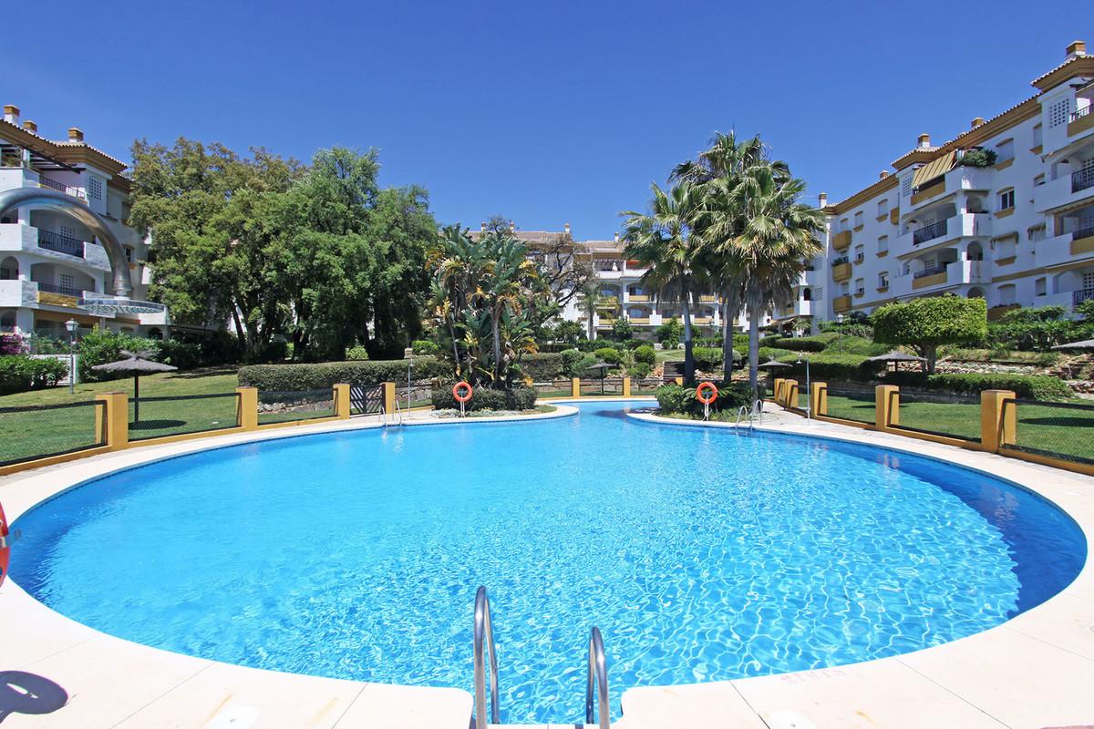 Apartamento  Ático en alquiler  en Marbella
