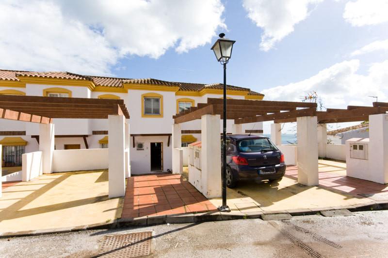 Townhouse Terraced in Casares Playa, Costa del Sol