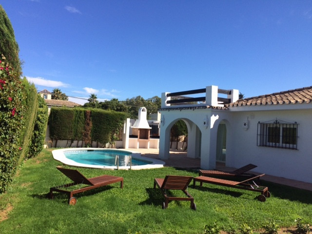Villa  Detached for rent  in San Pedro de Alcántara