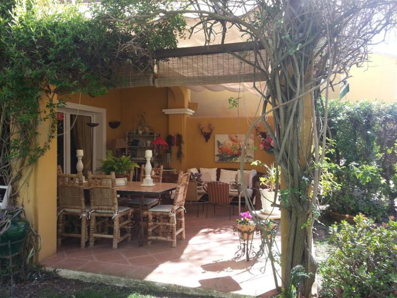 Villa  Semi Individuelle en vente   à Calahonda
