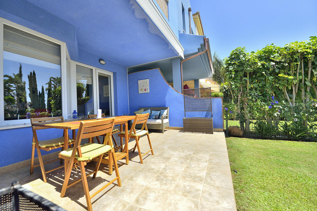 Maison Jumelée  Mitoyenne en vente   à Benalmadena