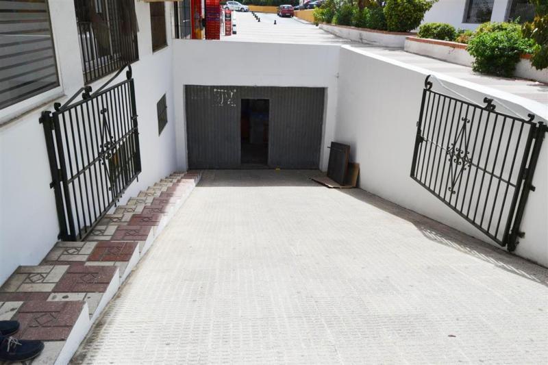 Commerce, Débarras  en vente    à San Pedro de Alcántara