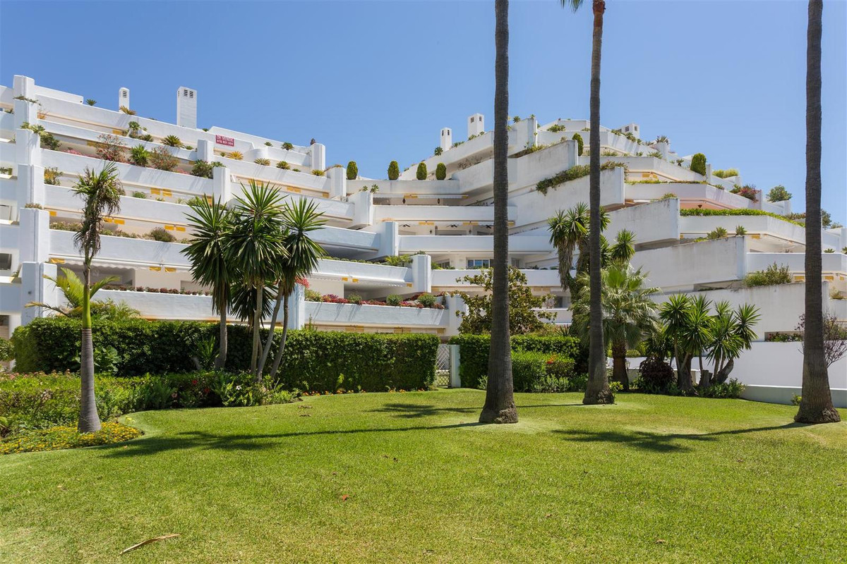 Apartamento Planta Media en Guadalmina Baja, Costa del Sol
