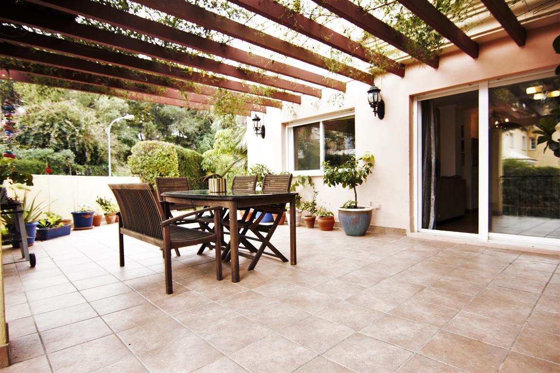 Villa  Pareada en venta   en Torrequebrada