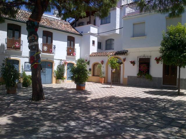 Villa  Pareada en venta   en Estepona
