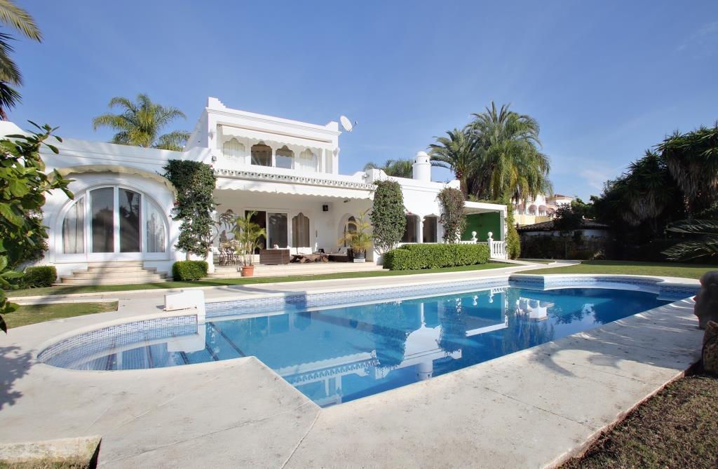 Villa  Detached  in Estepona