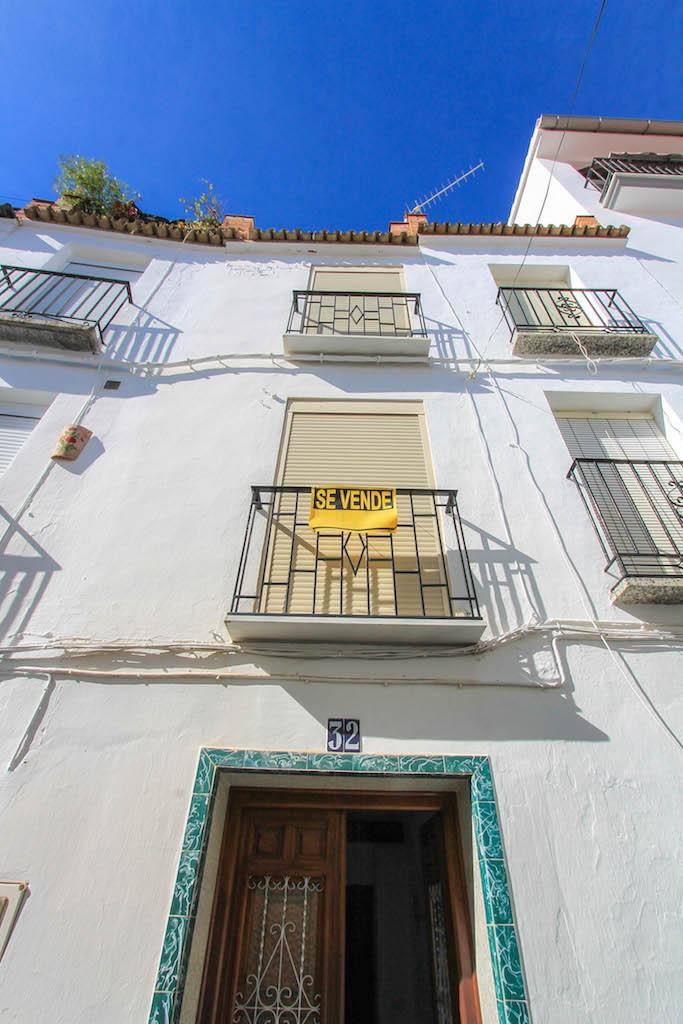Maison Jumelée  Mitoyenne en vente   à Tolox