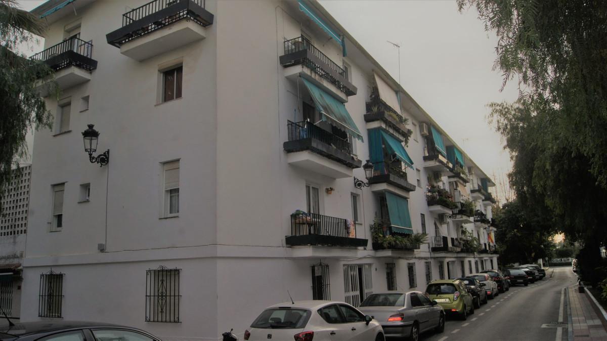 Apartamento, Planta Baja  en venta    en Nueva Andalucía