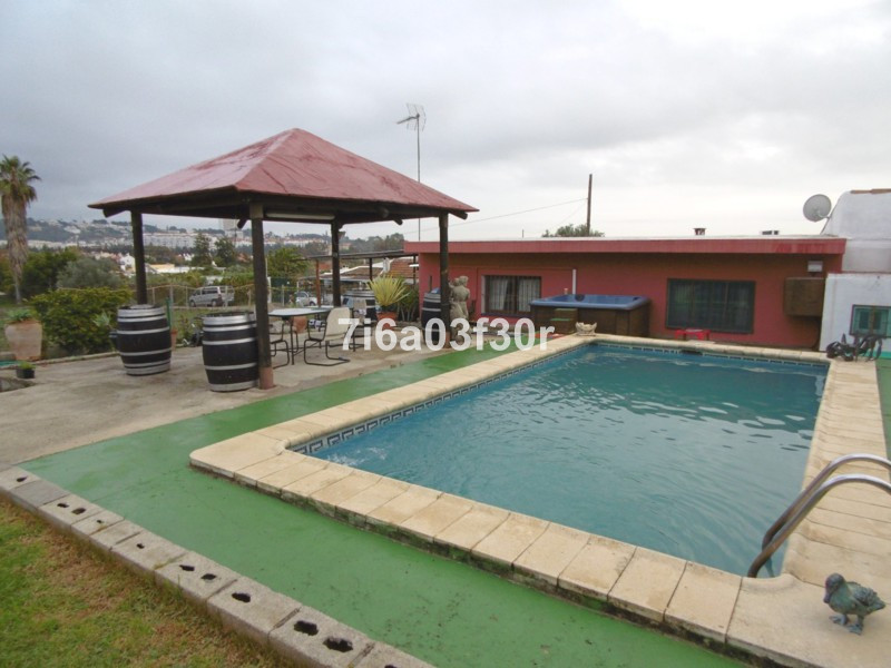 Villa  Finca for sale   in Nueva Andalucía