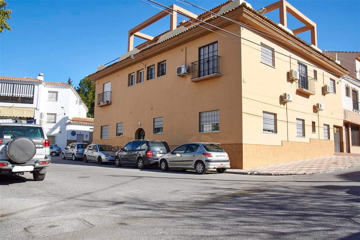 Apartment  Middle Floor for sale   in Alhaurín el Grande