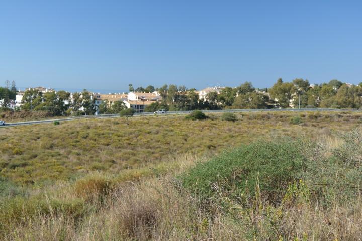 Plot  Residential for sale   in Calahonda