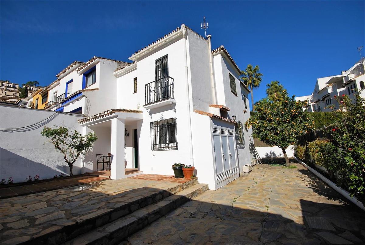 Villa Pareada en Benahavís, Costa del Sol